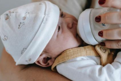 Lapte de crestere pentru bebelusi: de la ce varsta?